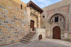 Tekkeyet AlBustami和Darb Al Labana胡同, Bahari Mameluke时代门门  库存图片