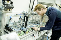 Tekniker i fabriken Arkivfoton