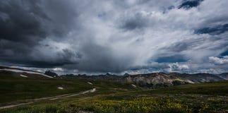 Tekniker Pass Alpine Loop royaltyfria foton