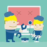 Teknikeren reparerar datoren Royaltyfri Fotografi