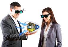 Teknikerer som bär exponeringsglas för 3d Vr Arkivbild