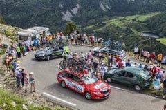 Tekniska bilar i Pyrenees berg Arkivfoton
