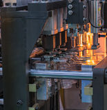Tekniskt avancerad plast- industriell flasktillverkning Arkivbilder