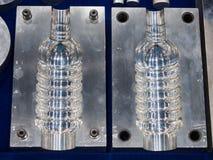 Tekniskt avancerad plast- industriell flasktillverkning Royaltyfri Bild