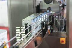 Tekniskt avancerad plast- industriell kopptillverkning Royaltyfria Foton