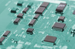 Tekniskt avancerat slut för strömkretsbräde upp, makro begrepp av informationsteknik royaltyfri bild
