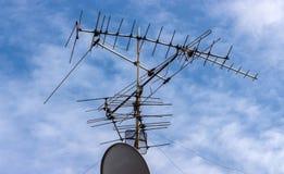 Teknologi för exoticsen för antennen för satellit- TV tillsammans är mycket differe Fotografering för Bildbyråer