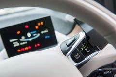Teknologi i en bil royaltyfri foto