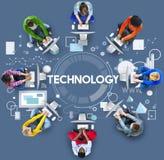 Teknologianslutning som knyter kontakt det Digital begreppet Arkivfoton