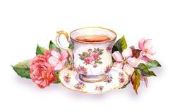 Tekopp- och tekruka med rosa blommor vattenfärg Arkivbild