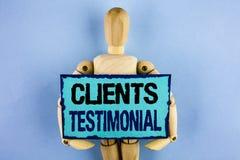 Tekstów szyldowi pokazuje klienci Testimonial Konceptualny fotografia klientów ogłoszenie towarzyskie Doświadcza przegląd opinii  zdjęcia stock