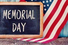 Tekst herdenkingsdag en vlag van de Verenigde Staten royalty-vrije stock afbeelding