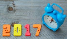 2017 tekst liczba z błękita zegarem Fotografia Royalty Free
