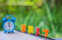 2017 tekst liczba z błękita zegarem Obrazy Royalty Free