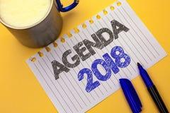 Tekst szyldowa pokazuje agenda 2018 Konceptualnego fotografii strategii rzeczy Planistycznego rozkładu Przyszłościowi cele Organi Obrazy Stock