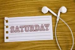Tekst szyldowa pokazuje Sobota Konceptualnej fotografii Pierwszy dzień weekendowy Relaksujący czasu wakacje czasu wolnego moment  Zdjęcie Royalty Free