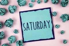 Tekst szyldowa pokazuje Sobota Konceptualnej fotografii Pierwszy dzień weekendowy Relaksujący czasu wakacje czasu wolnego moment  Zdjęcie Stock