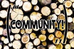 Tekst szyldowa pokazuje społeczność Konceptualna fotografii sąsiedztwa skojarzenia stanu afiliacji Alliance jedności grupa Drewni obraz stock