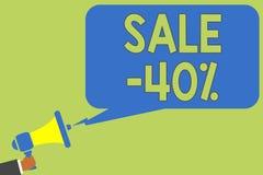 Tekst szyldowa pokazuje sprzedaż 40 Konceptualna fotografii A promo cena rzecz przy 40 procentów markdown mężczyzna mienia megafo ilustracja wektor