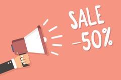 Tekst szyldowa pokazuje sprzedaż 50 Konceptualna fotografii A promo cena rzecz przy 50 procentów markdown mężczyzna mienia megafo ilustracja wektor