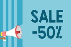 Tekst szyldowa pokazuje sprzedaż 50 Konceptualna fotografii A promo cena rzecz przy 50 procentu markdown megafonu głośnika błękit royalty ilustracja