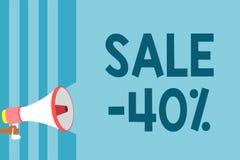 Tekst szyldowa pokazuje sprzedaż 40 Konceptualna fotografii A promo cena rzecz przy 40 procentu markdown megafonu głośnika błękit royalty ilustracja