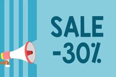 Tekst szyldowa pokazuje sprzedaż 30 Konceptualna fotografii A promo cena rzecz przy 30 procentu markdown megafonu głośnika błękit royalty ilustracja