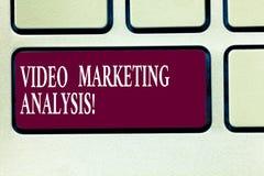 Tekst szyldowa pokazuje Wideo Marketingowa analiza Konceptualny fotografii oprogramowanie który centralizuje wideo online klawiat zdjęcia royalty free