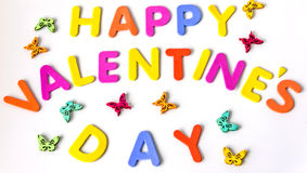 Tekst van de kleurrijke dag van brieven Gelukkige Valentijnskaarten onder vlinders Geïsoleerde Stock Afbeelding