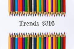 Tekst Wykazywać tendencję 2016 na koloru ołówkowym tle, biznesowym pojęciu/ Fotografia Royalty Free