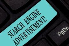 Tekst wyszukiwarki szyldowa pokazuje reklama Konceptualna fotografia Umieszcza online reklamy na webpages Klawiaturowym kluczu zdjęcia stock