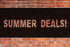 Teksta lata szyldowe pokazuje transakcje Konceptualne fotografii Specjalnych sprzedaży oferty dla Urlopowej Wakacyjnej wycieczki  obraz stock