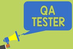 Teksta Qa szyldowy pokazuje tester Konceptualny fotografii zapewnienie jakości dalej iść projekt przed urzeczywistnienie mężczyzn obrazy royalty free
