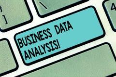Teksta seansu biznesu dane szyldowa analiza Konceptualny fotografia proces oceniać dane używać analytical narzędziowego Klawiatur obrazy royalty free