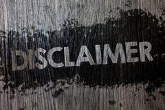 Teksta szyldowy pokazuje dementi Konceptualny fotografia warunków oświadczenie zaprzeczenie roszczenia prawnego Copyright Drewnia obraz royalty free