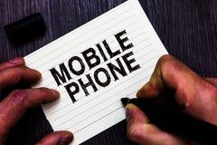 Teksta szyldowy pokazuje telefon komórkowy Konceptualny fotografii A handheld przyrząd używać wysyłać otrzymywa wezwania i wiadom zdjęcia stock