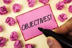 Teksta znak pokazuje celom Motywacyjnego wezwanie Konceptualni fotografia cele planujący dokonującymi Pragnęli cele pisać mężczyz Fotografia Stock