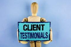 Teksta znak pokazuje klientów Testimonials Konceptualny fotografia klienta ogłoszenie towarzyskie Doświadcza przegląd opinii info obrazy stock