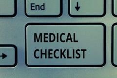 Teksta znak pokazuje Medycznej liście kontrolnej Konceptualnego fotografia przewdonika podążać ulepszać opieka nad pacjentem lub  fotografia stock