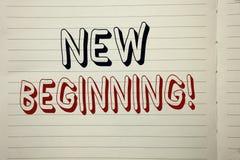 Teksta znak pokazuje Nowego Początkującego Motywacyjnego wezwanie Konceptualny fotografia nowy początek Zmienia Formularzowego Wz Zdjęcie Royalty Free