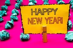 Teksta znak pokazuje Szczęśliwego nowego roku Motywacyjnego wezwanie Konceptualnej fotografii powitania odświętności nowego począ Obraz Stock