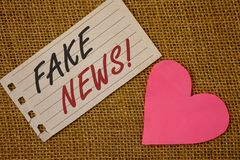 Teksta znaka seansu imitaci wiadomości Motywacyjny wezwanie Konceptualnej fotografii HoaxNotebook Fałszywej Niepotwierdzonej Ewid obraz royalty free