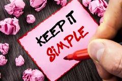 Teksta znaka utrzymanie Ja Prosty Biznesowy pojęcie dla prostoty strategii podejścia Łatwa zasada pisać Wałkowego Kleistego Nutow zdjęcia royalty free