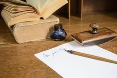 """Tekst""""once op een time† in inkt die op papier wordt geschreven royalty-vrije stock foto's"""