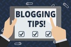 Tekstteken die Blogging-Uiteinden tonen Conceptuele fotoideeën op hoe de bespreking of de informatiewebsite verbeter royalty-vrije illustratie
