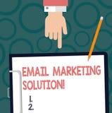 Tekstteken die E-mail Marketing Oplossing tonen Conceptuele foto die klanten helpen om hun de analysehand van problemenhu op te l vector illustratie