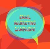 Tekstteken die E-mailmarketingcampagne tonen Conceptuele die foto E-mail naar een potentiële of huidige Bel van de klanten Lege T vector illustratie