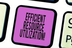 Tekstteken die Efficiënt Resourcegebruik tonen Conceptuele foto die de doeltreffendheid en de productiviteit maximaliseren stock foto's
