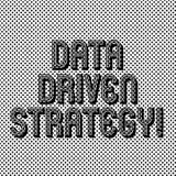 Tekstteken die Gegevens Gedreven Strategie tonen Conceptuele die fotobesluiten op Naadloze gegevensanalyse en interpretatie worde royalty-vrije illustratie