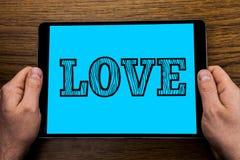 Tekstteken die Liefde tonen De conceptuele Verhouding van de de affectie Romantische Seksuele die gehechtheid van het foto Intens royalty-vrije stock foto's